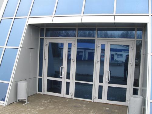 реимущества использования алюминиевого профиля при производстве конструкций окон, балконов, дверей и фасадов проверены временем